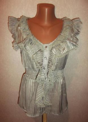 Фирменная блузочка с решами на пуговичках -р. м - gust addict