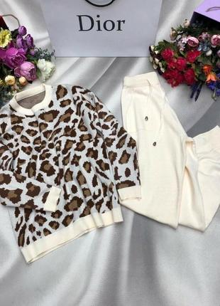 Теплый мягкий вязаный шерстяной костюм с леопардовым принтом шерсть 50%, хлопок 50%