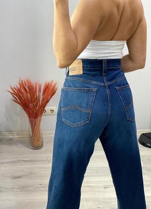 Крутые джинсы mom mustang