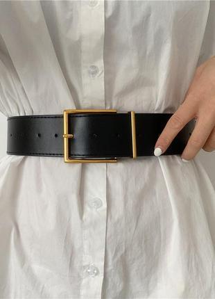 Женский ремень широкий массивный черный с золотой квадратной пряжкой эко-кожаный пояс