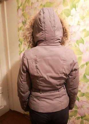 Курточка осенне-зимняя на синтепоне с капюшоном, теплая и очень удобна