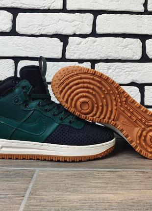 Зелёные осенние кроссовки