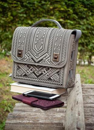Вместительная кожаная сумка-портфель через плечо серая, под планшет, деловая сумка