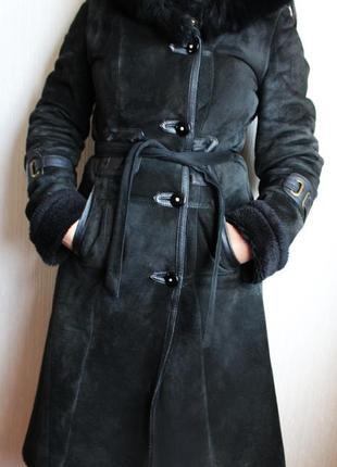 Красивая натуральная чёрная зимняя дублёнка с капюшоном!