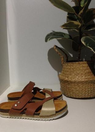 Кожаные сандали 38(24)маломерят идут на 37