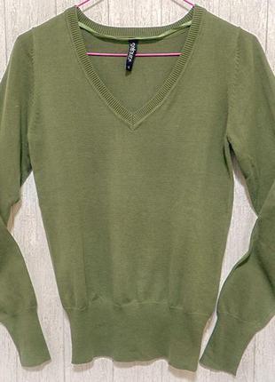 Женский строгий свитерок