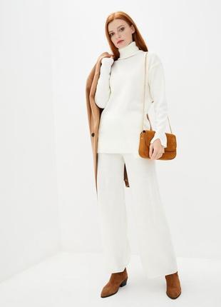 Белый вязаный осенне-зимний костюм для женщин