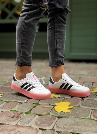Adidas женские кроссовки адидас белые розовая подошва