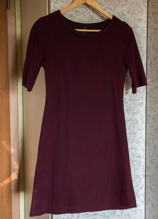 Бордовое мини-платье stradivarius