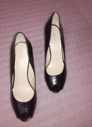 Шикарные кожаные туфли лодочки с открытым носком nine west, р.7,5w (наш 38-38,5)
