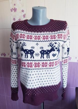 Очень уютный шерстяной зимний свитер кофта с оленями в снежинки в орнамент