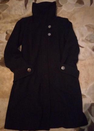 Пальто с высоким воротом