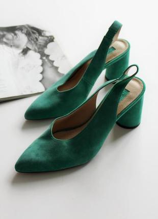 Красивые туфли зеленые лодочки на широком каблуке 39