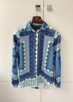 Zara блуза сатиновая в абстракцию