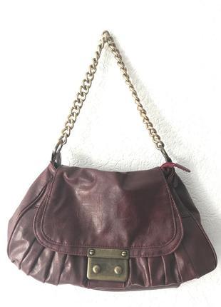 Модная сумка цвета марсала на крупной ручке-цепочке