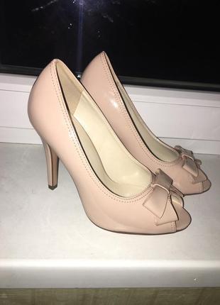 Туфли, каблуки, босоножки