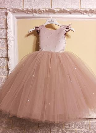 Нежное нарядное платье