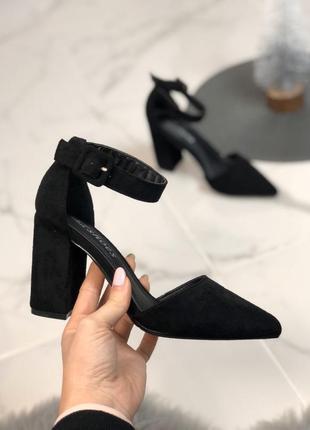 Открытые туфли с ремешком из экозамши3 фото