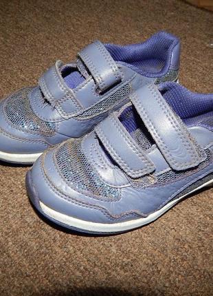 Кроссовки туфли clarks с мигалками девочке 27,5