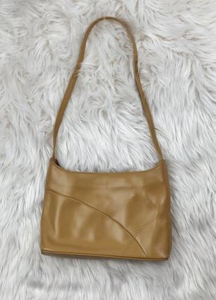 Трендовая кожаная сумка на одно плечо