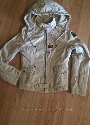 Теплая женская демисезонная куртка. утепленная ветровка.