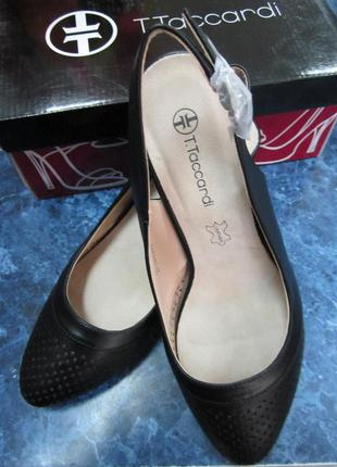 Удобные стильные новые кожаные туфли