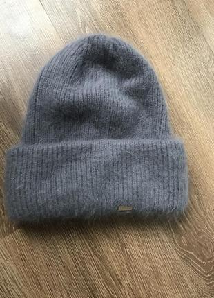 Новая мягкая шапочка из ангора