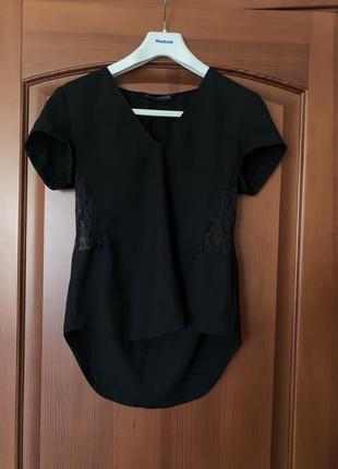 Блуза футболка чёрная с кружевом по бокам zara