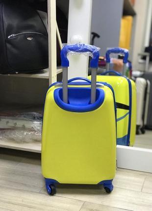 Уценка! детский пластиковый чемодан с миньйоном2 фото