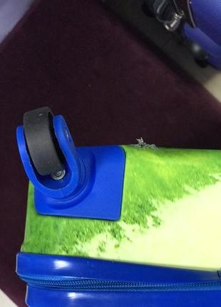 Уценка! детский пластиковый чемодан с микки маусом3 фото