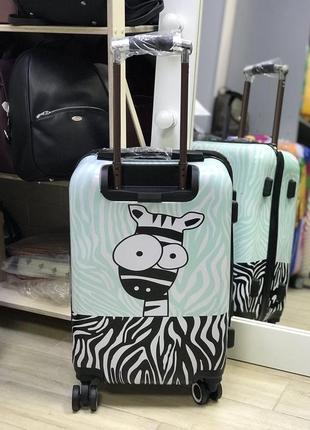 Уценка! принтованный чемодан из пластика с принтом зебра2 фото