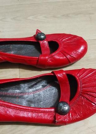 Туфлі 40