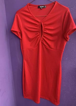 Новое красное трикотажное платье