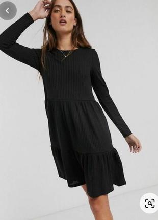 Платье рюшами
