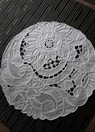 Кружевная круглая салфетка,ришелье