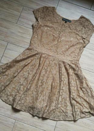 Красивое золотое платье нарядное