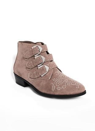 Взуття ботинки жіночі new look