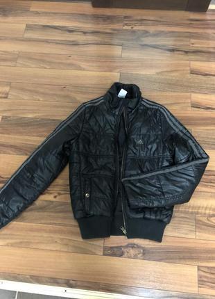Демисезонная курточка adidas