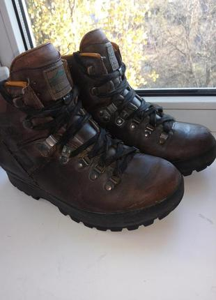 Полностью кожаные демисезонные ботинки meindl 25 см