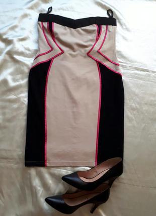 Красивое платье без бретелей