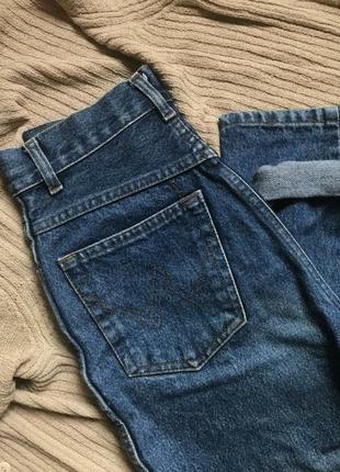 Модные брендовые момс джинсы