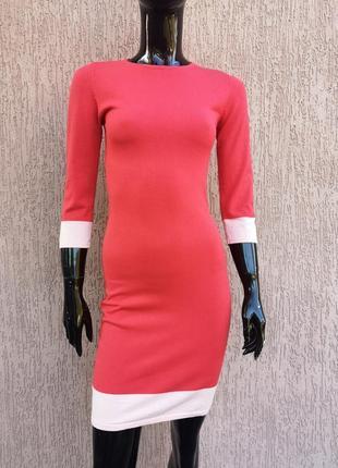 Тёплое коралловое трикотажное платье по фигуре forever 21