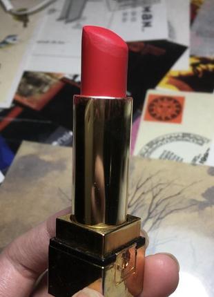 Помада yves saint laurent rouge pur couture 02