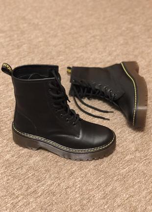 Ботинки кожаные в стиле dr. martens