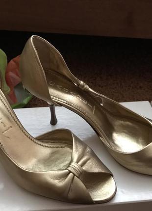 Туфли-лодочки. оригинал casadei