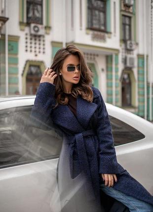 Теплое зимнее длинное пальто