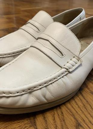 Белые туфли , белые лоферы, белые мокасины