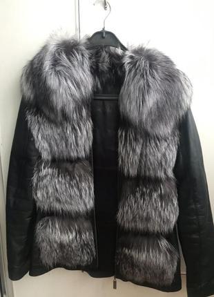Натуральная меховая жилетка с кожаными рукавами