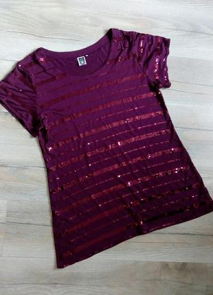 Isolda, яскрава футболка, шотслів, туніка з паєтками