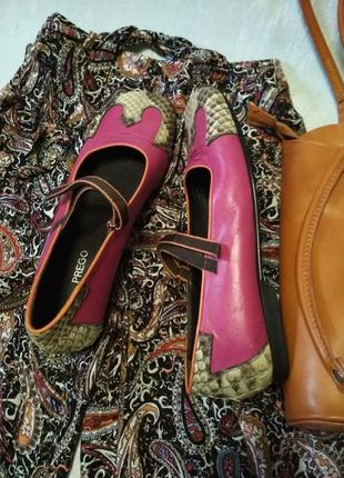 Эксклюзивные туфли prego из натуральной кожи малинового цвета и кожи питона